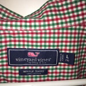 EUC Vineyard Vines Boys button down shirt sz LG